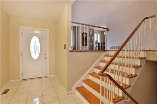 Photo 2: 2386 Wyandotte Drive in Oakville: Bronte West House (Bungalow-Raised) for sale : MLS®# W3704029