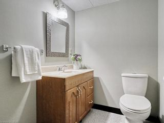 Photo 35: 2 30 CLARENDON Crescent in London: South Q Residential for sale (South)  : MLS®# 40168568