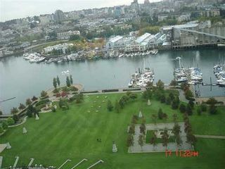 Photo 1: 2306 583 BEACH Crescent in Vancouver West: Home for sale : MLS®# V853755