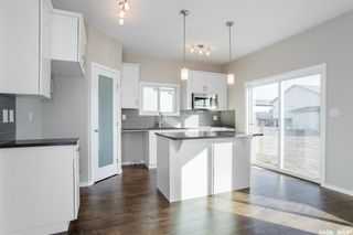 Photo 4: 398 Hassard Close in Saskatoon: Kensington Residential for sale : MLS®# SK760744
