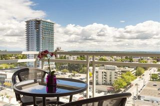 Photo 6: 1306 15152 RUSSELL AVENUE: White Rock Condo for sale (South Surrey White Rock)  : MLS®# R2377952