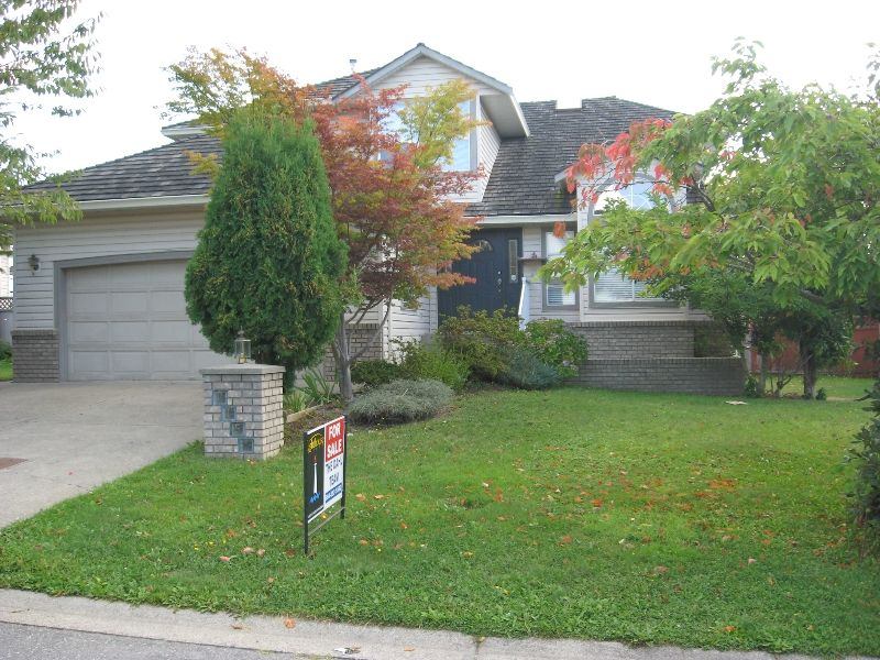Main Photo: 3154 Kingfisher in Abbotsford: House for sale