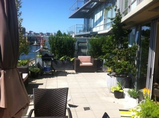 Photo 3: # 301 8 SMITHE ME in Vancouver: Yaletown Condo for sale (Vancouver West)  : MLS®# V985268