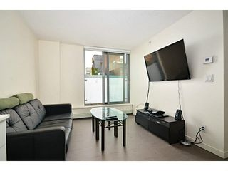 Photo 2: 708 66 W Cordova Street in Vancouver: Downtown Condo for sale (Vancouver West)  : MLS®# V1021047