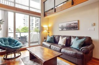 """Photo 2: 207 10 RENAISSANCE Square in New Westminster: Quay Condo for sale in """"MURANO LOFTS"""" : MLS®# R2573539"""