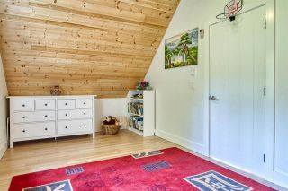 """Photo 13: 723 DOGWOOD & BLACKBERRY LANE Road in Gibsons: Gibsons & Area House for sale in """"Bay area"""" (Sunshine Coast)  : MLS®# R2593511"""