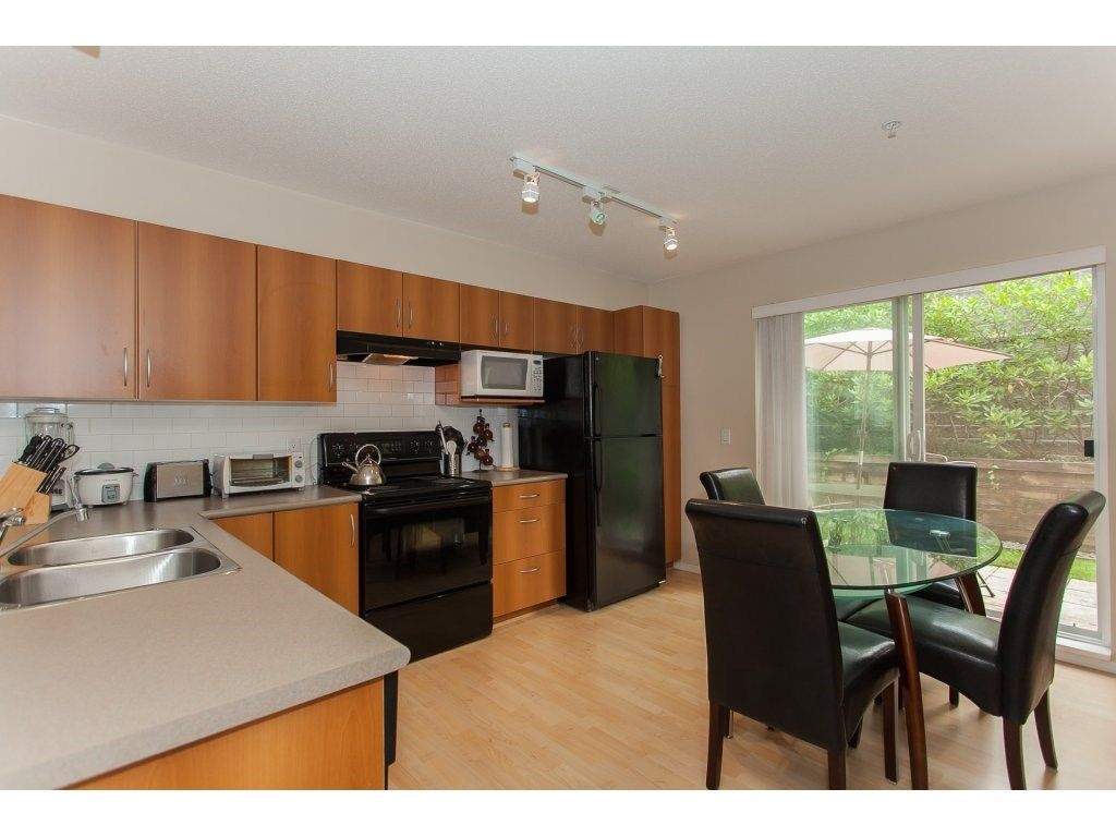 Photo 8: Photos: 48 6747 203 Street in Langley: Willoughby Heights Townhouse for sale : MLS®# R2202915