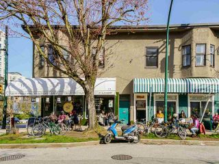 """Photo 32: 1 1214 W 7TH Avenue in Vancouver: Fairview VW Townhouse for sale in """"MARVISTA COURTS"""" (Vancouver West)  : MLS®# R2560085"""