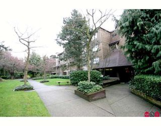 "Main Photo: 201 10626 151A Street in Surrey: Guildford Condo for sale in ""Lincoln's Hill"" (North Surrey)  : MLS®# F2807802"