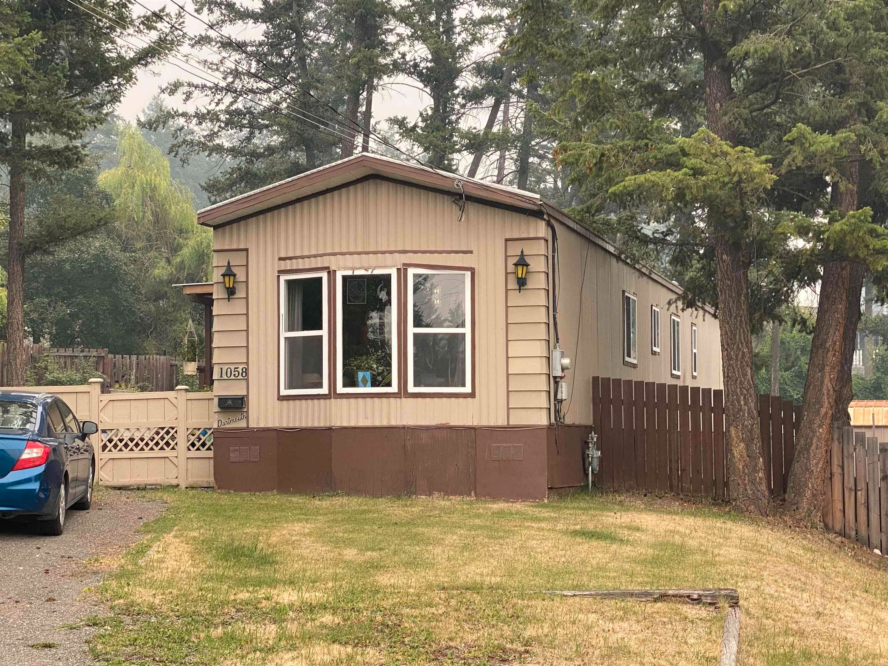 Main Photo: 1058 OAK Place in Williams Lake: Williams Lake - City Manufactured Home for sale (Williams Lake (Zone 27))  : MLS®# R2617009