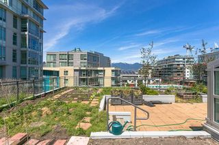 "Photo 13: 212 63 W 2ND Avenue in Vancouver: False Creek Condo for sale in ""PINNACLE LIVING AT FALSE CREK"" (Vancouver West)  : MLS®# R2176352"