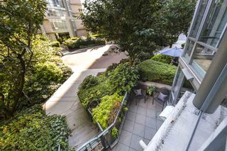 Photo 16: TH103 1288 MARINASIDE CRESCENT in Vancouver: Yaletown Townhouse for sale (Vancouver West)  : MLS®# R2281597