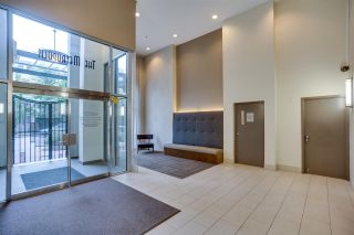 """Photo 3: 1203 1238 RICHARDS Street in Vancouver: Yaletown Condo for sale in """"Metropolis"""" (Vancouver West)  : MLS®# R2472141"""