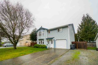 Photo 2: 9157 212A Place in Langley: Walnut Grove House for sale : MLS®# R2539503