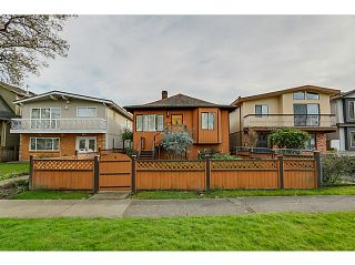 """Photo 2: 1288 E 26TH Avenue in Vancouver: Knight House for sale in """"CEDAR COTTAGE"""" (Vancouver East)  : MLS®# V1114314"""