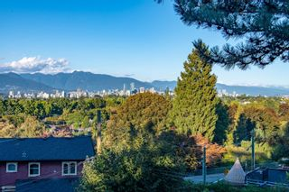 """Photo 32: 3669 W 14TH Avenue in Vancouver: Point Grey House for sale in """"Point Grey"""" (Vancouver West)  : MLS®# R2621436"""
