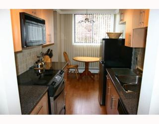 """Photo 6: 405 320 ROYAL Avenue in New_Westminster: Downtown NW Condo for sale in """"THE PEPPERTREE"""" (New Westminster)  : MLS®# V765945"""