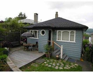 Photo 5: 12 HOLDOM Avenue in Burnaby: Capitol Hill BN House for sale (Burnaby North)  : MLS®# V712849