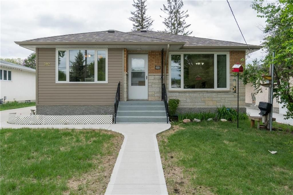 Main Photo: 212 Hindley Avenue in Winnipeg: St Vital Residential for sale (2D)  : MLS®# 202112857