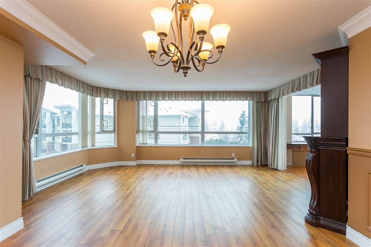 """Photo 7: Photos: 405 3190 GLADWIN Road in Abbotsford: Central Abbotsford Condo for sale in """"Regency Park Tower 3"""" : MLS®# R2524768"""