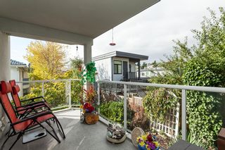"""Photo 10: 307 15941 MARINE Drive: White Rock Condo for sale in """"THE HERITAGE"""" (South Surrey White Rock)  : MLS®# R2408083"""