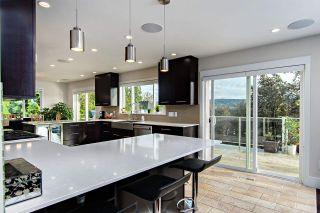 Photo 4: 640 FORESTHILL Place in Port Moody: North Shore Pt Moody House for sale : MLS®# R2114277
