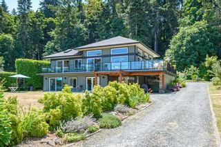 Photo 3: 5763 Coral Rd in : CV Courtenay North House for sale (Comox Valley)  : MLS®# 881526