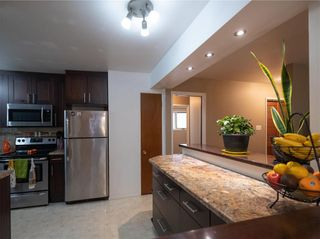 Photo 10: 104 Roselawn Bay in Winnipeg: North Kildonan Residential for sale (3F)  : MLS®# 202119908