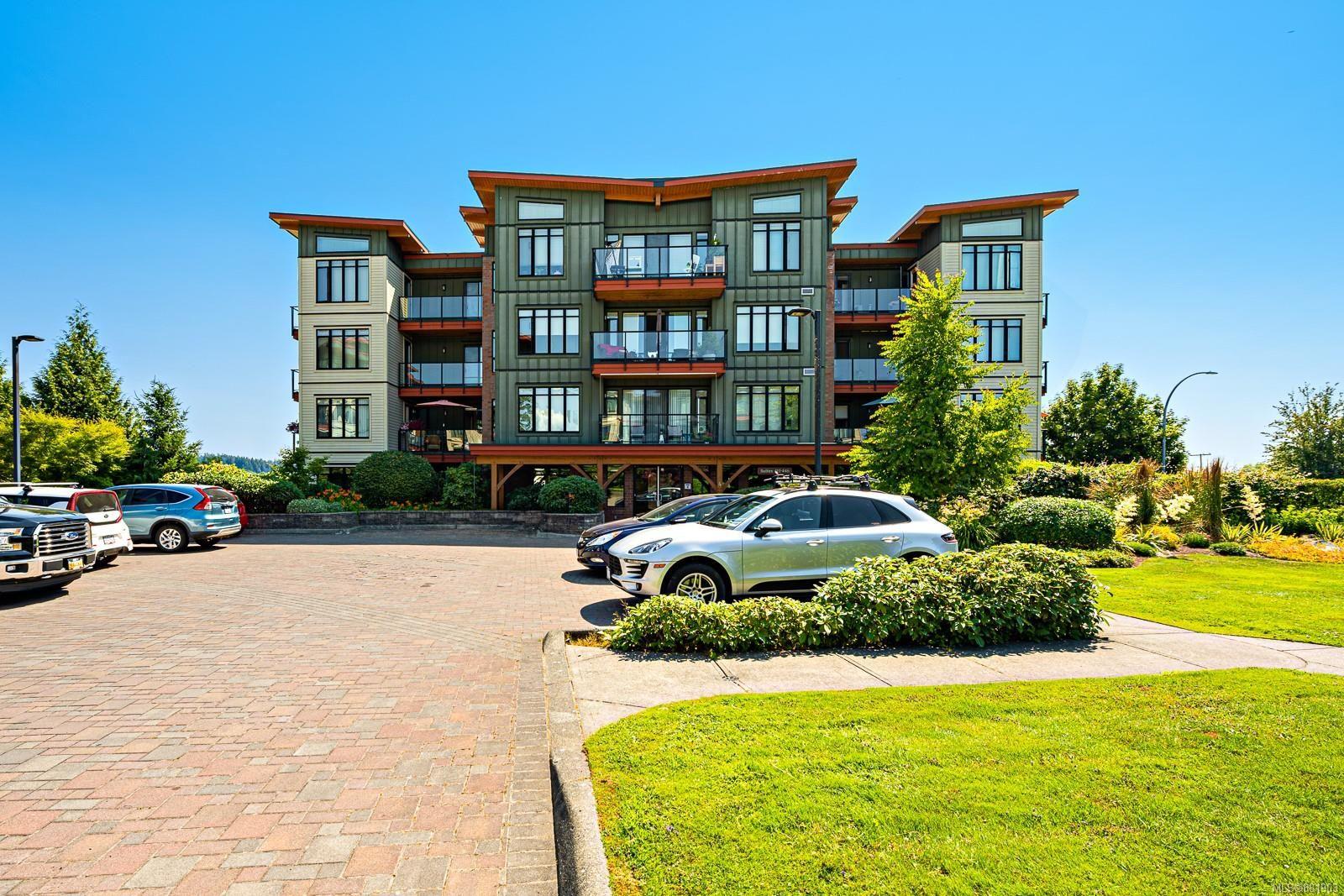 Main Photo: 413 2300 Mansfield Dr in : CV Courtenay City Condo for sale (Comox Valley)  : MLS®# 881903
