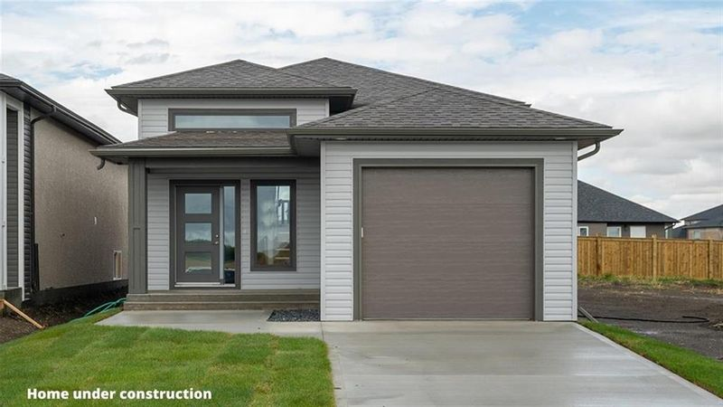FEATURED LISTING: 18 Briarfield Court Niverville