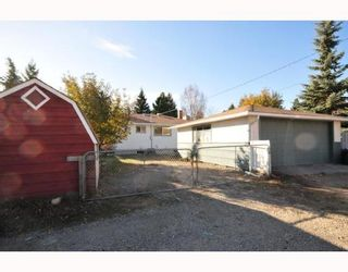 Photo 5: 46 HEALY Drive SW in CALGARY: Haysboro Residential Detached Single Family for sale (Calgary)  : MLS®# C3388908