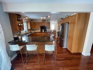 Photo 10: 376 Ormsby Road in Edmonton: Zone 20 House for sale : MLS®# E4255674