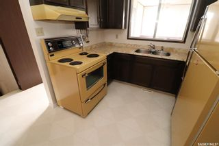 Photo 5: 522 Priel Crescent in Saskatoon: Fairhaven Residential for sale : MLS®# SK859202