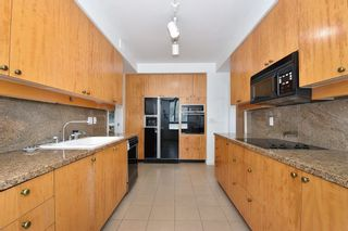 """Photo 11: 202 5850 BALSAM Street in Vancouver: Kerrisdale Condo for sale in """"CLARIDGE"""" (Vancouver West)  : MLS®# R2265512"""