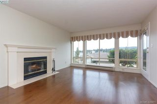 Photo 9: 801 6880 Wallace Dr in BRENTWOOD BAY: CS Brentwood Bay Row/Townhouse for sale (Central Saanich)  : MLS®# 841142