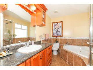 """Photo 15: 14861 74TH Avenue in Surrey: East Newton House for sale in """"CHIMNEY HEIGHTS"""" : MLS®# F1438528"""