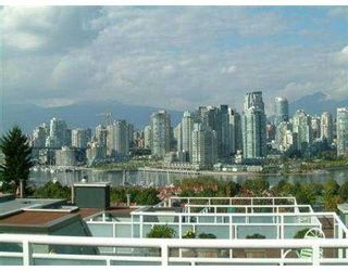 "Photo 6: 2393 OAK ST in Vancouver: Fairview VW Townhouse for sale in ""OAK PLACE"" (Vancouver West)  : MLS®# V557131"