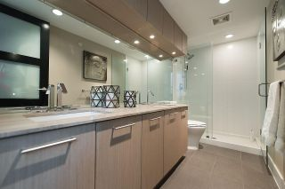 """Photo 14: 401 220 SALTER Street in New Westminster: Queensborough Condo for sale in """"GLASSHOUSE LOFTS"""" : MLS®# R2159431"""