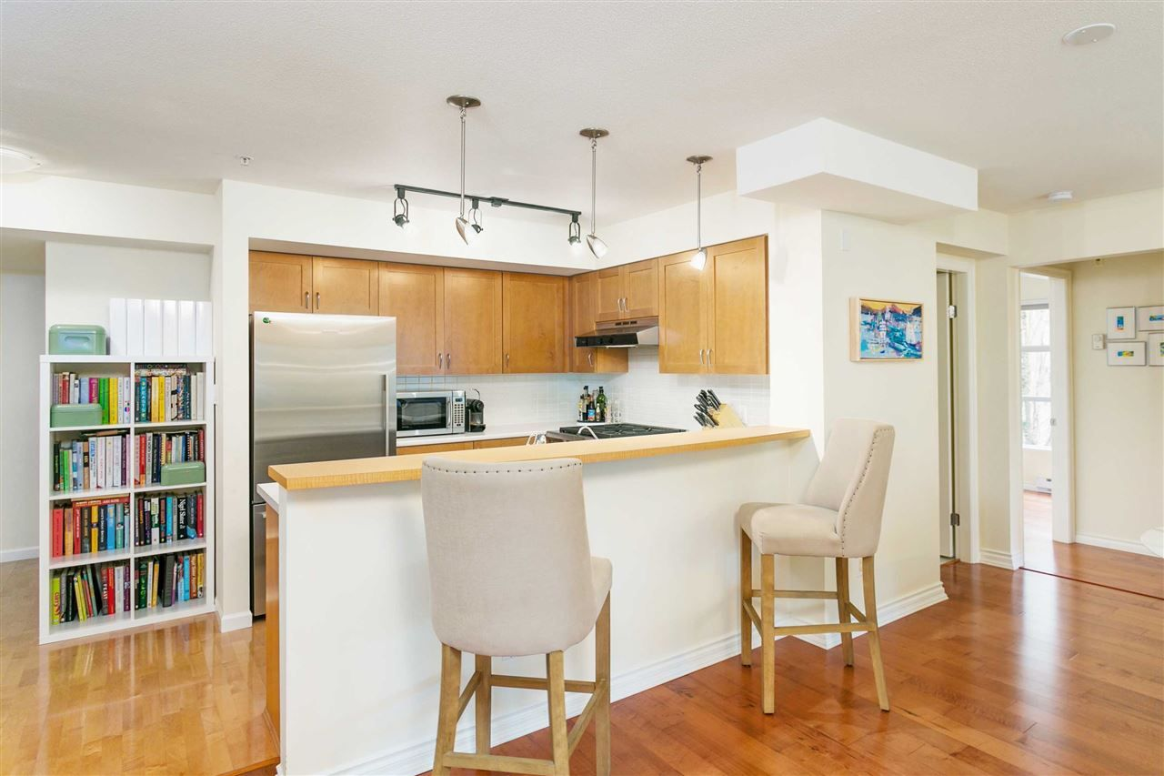 """Photo 6: Photos: 309 2181 W 12TH Avenue in Vancouver: Kitsilano Condo for sale in """"Carlings"""" (Vancouver West)  : MLS®# R2517965"""