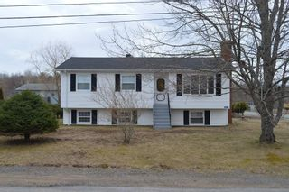 Photo 1: 967 GRACIE Drive in North Kentville: 404-Kings County Residential for sale (Annapolis Valley)  : MLS®# 201925702