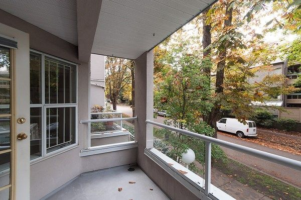 Photo 6: Photos: 202 1525 PENDRELL STREET in Vancouver: West End VW Condo for sale (Vancouver West)  : MLS®# R2010212