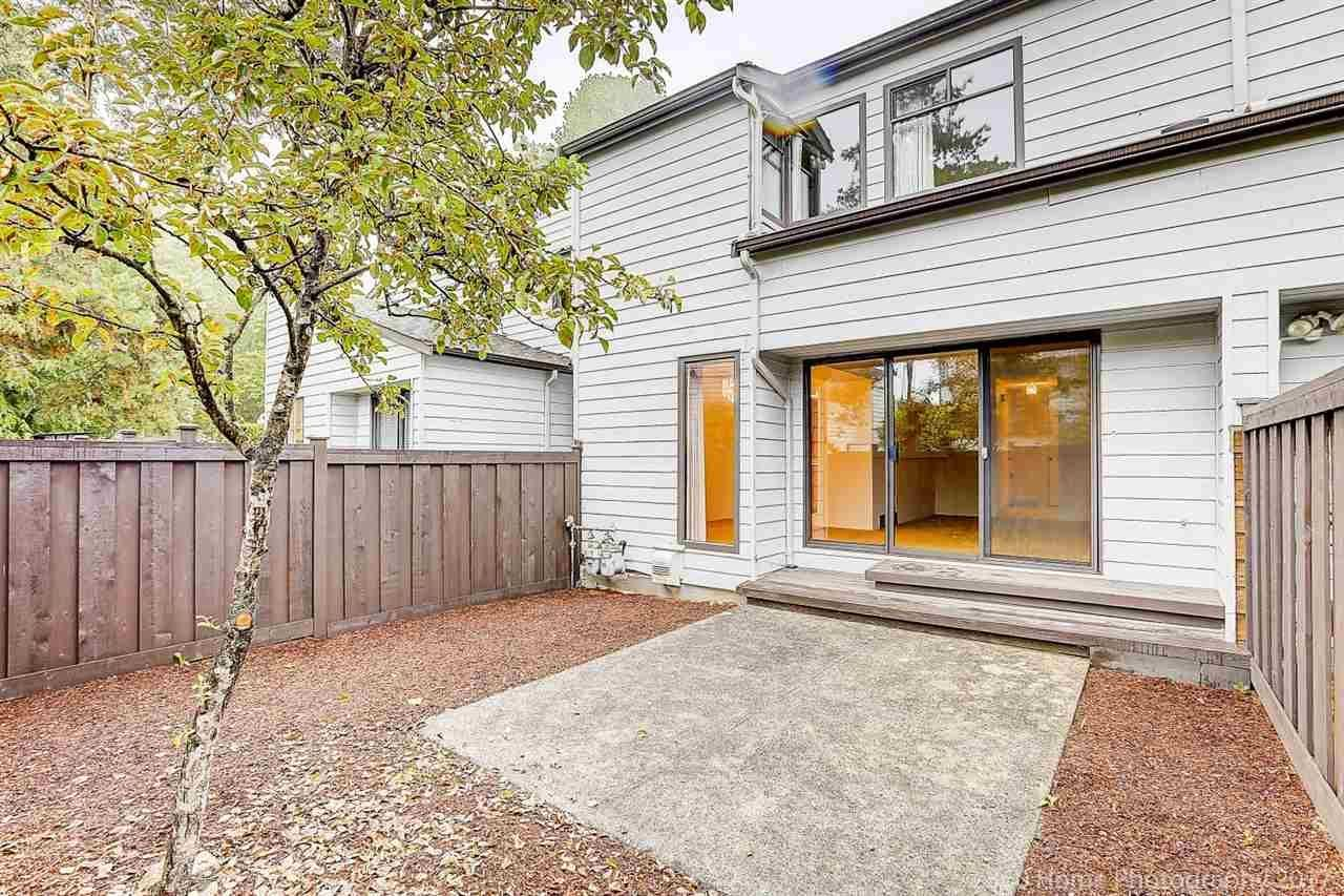 """Main Photo: 6 3370 ROSEMONT Drive in Vancouver: Champlain Heights Townhouse for sale in """"ASPENWOOD"""" (Vancouver East)  : MLS®# R2204325"""