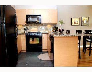 "Photo 3: 306 1315 56TH Street in Tsawwassen: Cliff Drive Condo for sale in ""OLIVA"" : MLS®# V753785"