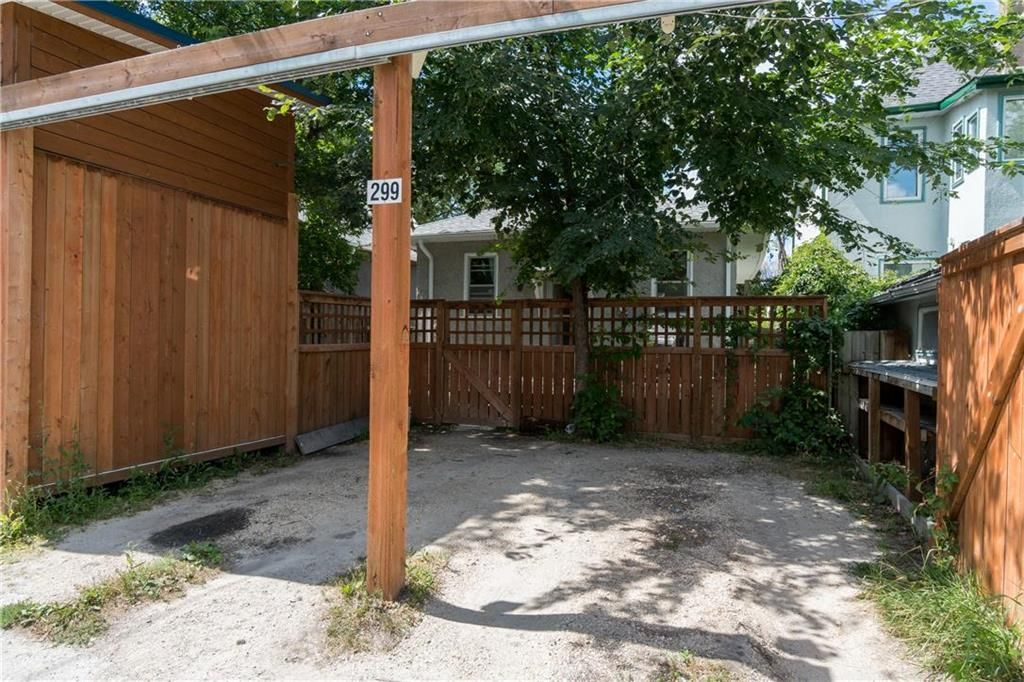 Photo 3: Photos: 299 Lipton Street in Winnipeg: Residential for sale (5C)  : MLS®# 202019088