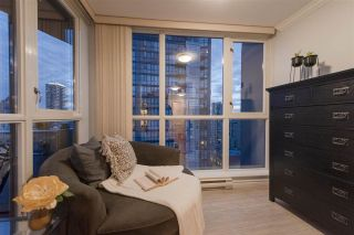 """Photo 5: 2506 1155 SEYMOUR Street in Vancouver: Downtown VW Condo for sale in """"Brava"""" (Vancouver West)  : MLS®# R2387101"""