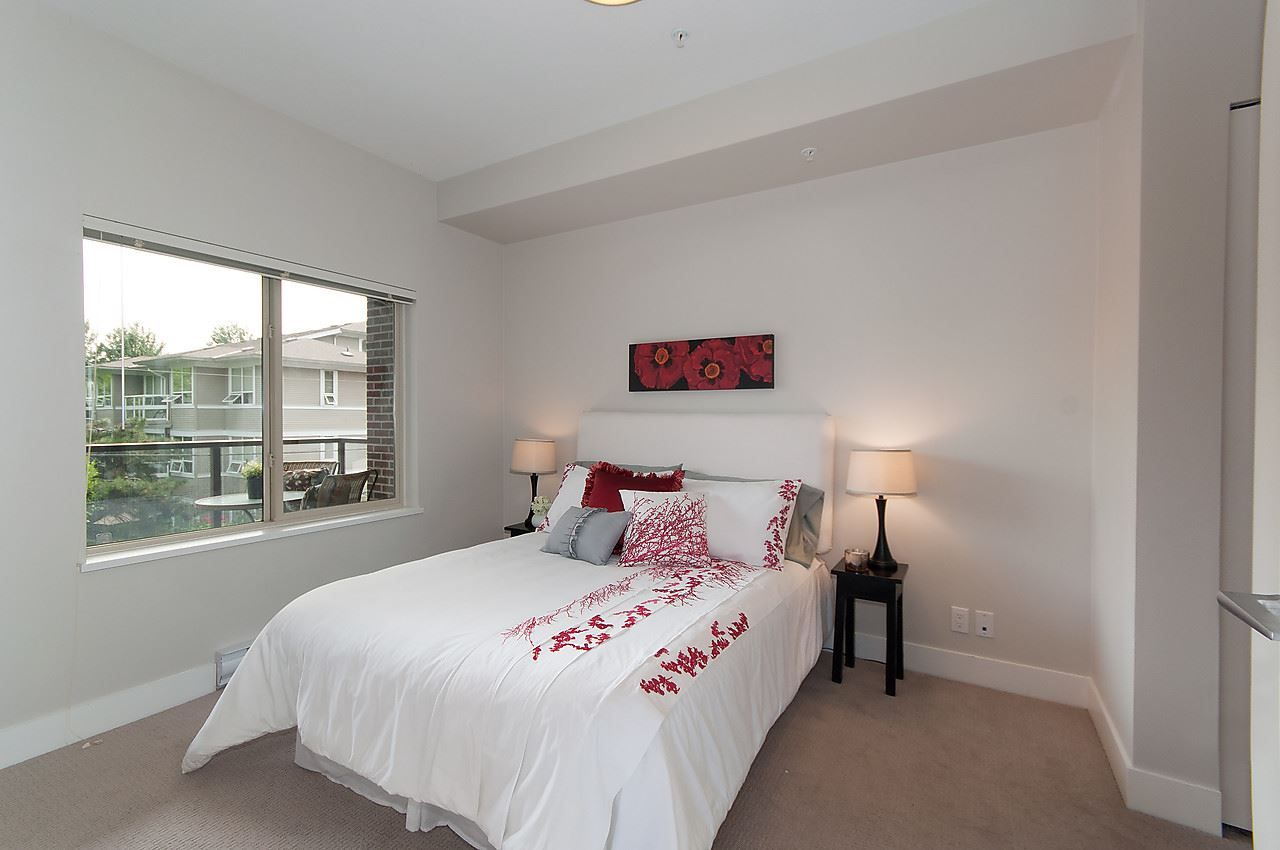 """Photo 15: Photos: 205 1273 MARINE Drive in North Vancouver: Norgate Condo for sale in """"THE IVY"""" : MLS®# R2116116"""