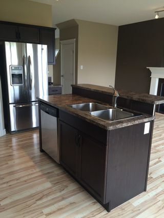 Photo 5: McLaughlin in Spruce Grove: Edmonton House Half Duplex for sale : MLS®# E3419945