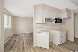 Photo 5: 76 3 Columbia Drive in Saskatoon: River Heights SA Residential for sale : MLS®# SK857119