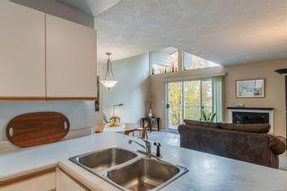 Photo 13: 402 1055 Hillside Ave in : Vi Hillside Condo for sale (Victoria)  : MLS®# 858795