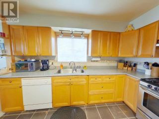Photo 2: 3394 MARINE AVE in Powell River: House for sale : MLS®# 16164